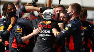 """The F1 the fifth round """"grand prix of the 70th anniversary"""" max ferusutappen player (Red Bull Honda) won the championship for the first time this season in 2020!"""