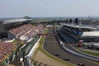 鈴鹿サーキット 国際レーシングコース ホームストレート